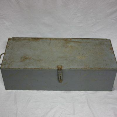 Stoere lichtblauwe vintage metalen opbergbox