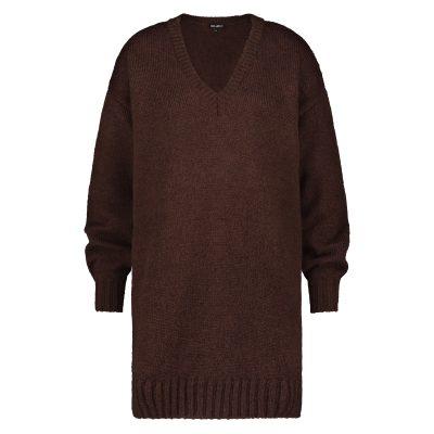 Trendy lange gebreide trui met v-hals